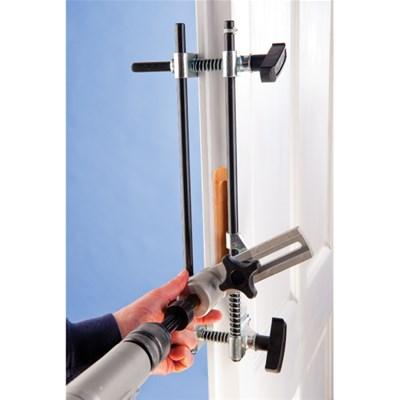 Přípravek na dveřní zámky pro klasické falcové dveře